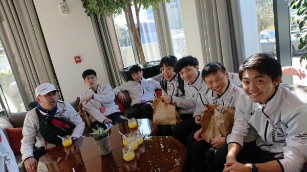 「世界大会・アブダビ」に遠征しているユニファイドサッカーのチーム、UAEに到着しました!