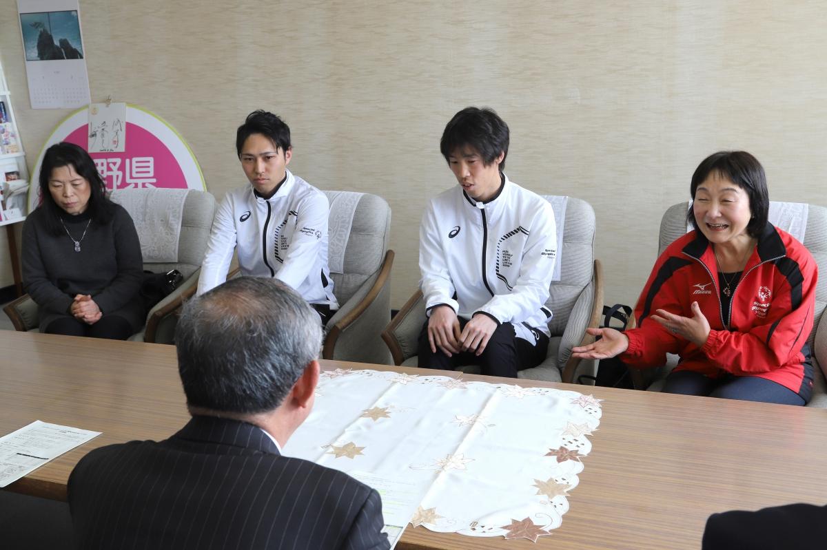 2月8日 須坂市訪問 三木市長を訪問