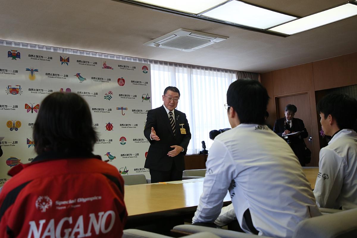 2月14日 上田市訪問 土屋市長から激励のお言葉をいただきます