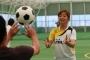 練習では手も使って反射神経をトレーニング