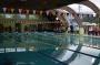 会場となった茅野市立北部中学校プールは屋根付きです